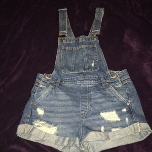 Ripped Shorts overall